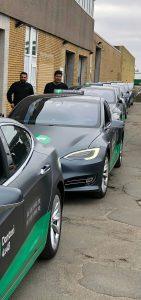 Nye Dantaxi Teslaer på række ved RTT i Herlev.