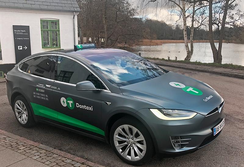 Tesla S Taxa